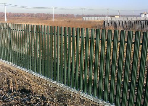 Забор из металлического <i>ворота и заборы</i> штакетника Киевская область Киев
